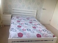 Spacious Rooms in a Four bed house- Couples Welcome