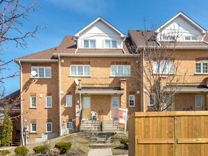 Charming, Well maintained 3Br Townhome at Meadowvale & Sheppard