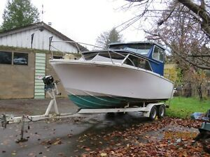24' Double Eagle with dual Mercedes Diesels and Volvo Penta legs