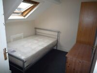 1 ROOM AVAILABLE, NO AGENCY FEES, RECENTLY REFURBISHED MODERN 6 BED HOUSE IN WARWICK ST HEATON S26