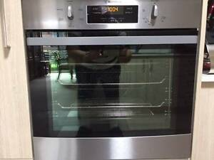 Near New Condition Oven, Cooktop, Sink and Extractor Fan North Richmond Hawkesbury Area Preview