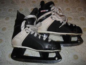 CCM Tacks 159 childrens' skates in very good condition