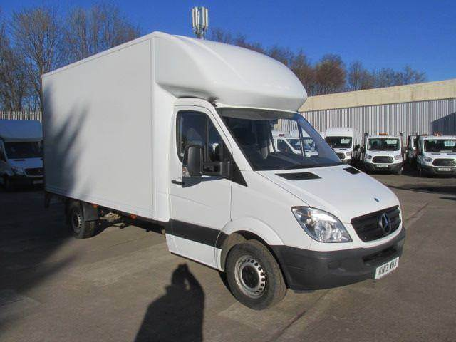 01d6c7695e Mercedes-Benz Sprinter 313 CDi LWB Luton with Tail Lift DIESEL MANUAL (2013)