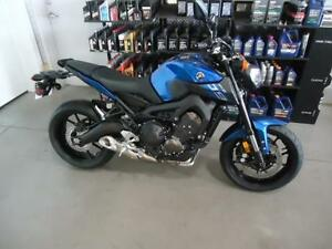 YAMAHA FZ09 D'OCCASION West Island Greater Montréal image 2