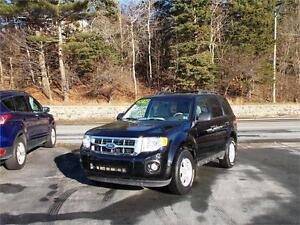 2010 FORD ESCAPE XLT 4WD...LOADED! FACTORY REMOTE STARTER & MORE