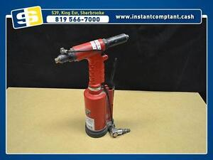 Riveteuse a l'air chicago pneumatic cp833