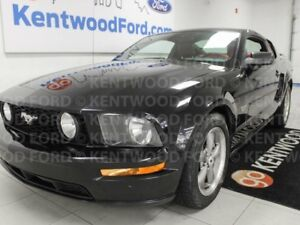 2005 Ford Mustang GT RWD 5-SPD manual Coupe with flashy red inte