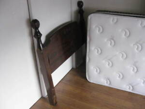 "Complete 39"" Single Bed With Headboard $250 Firm - Like New"