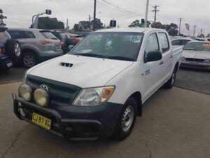 2006 Toyota Hilux KUN16R SR White 5 Speed Manual Dual Cab Pick-up Greenacre Bankstown Area Preview