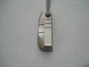 ODYSSEY PUTTER 36 In. R.H. West Island Greater Montréal image 1