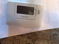 HONEYWELL CM707 PROGRAMABLE THERMOSTAT NEW