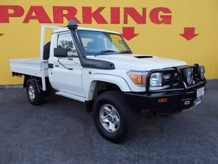 2014 Toyota Landcruiser VDJ79R MY13 GXL White 5 Speed Manual Cab Chassis Winnellie Darwin City Preview