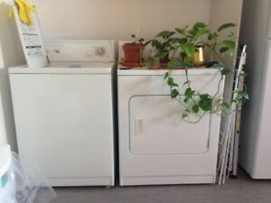 FREE washer and dryer/ GRATUIT laveuse secheuse