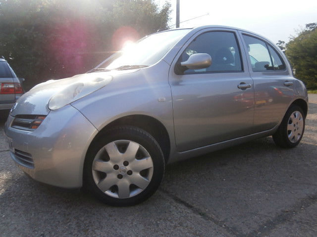 0404 NISSAN MICRA 1.4 16v SE AUTOMATIC 5DR SILVER LOW MILES 40K FSH 11 STAMPS