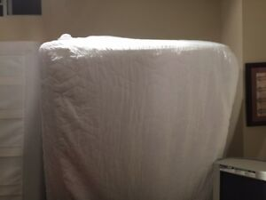 SELLING SINGLE MATTRESS & BOX SPRING - CHEAP - BEST DEAL