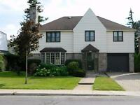 RENOVATED - October 15:  Hampstead home ***Superbe location***