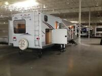 USED 2008 35 FT JAYCO JAY FLIGHT G2 32 BHDS TRAVEL TRAILER
