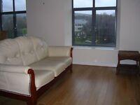 2 bedroom flat in Glossop Brook Road, Glossop