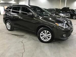 NISSAN ROGUE SV 2014 / CAMERA / TOIT PANORAMIQUE / TRES PROPRE!!