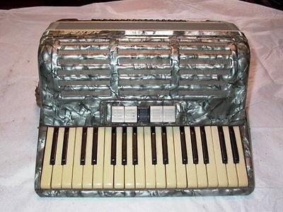 Hansa Pitan Grey German Accordion & Case