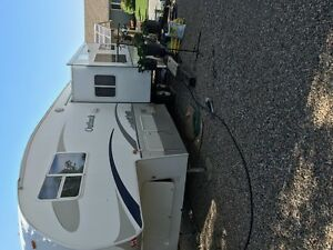 Outback fifth wheel immaculate