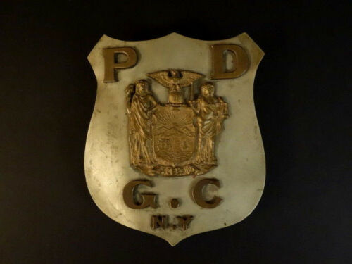 POLICE DEPARTMENT G.C New York Large Shield With Bronze Parts Car Badge ? 1930 R