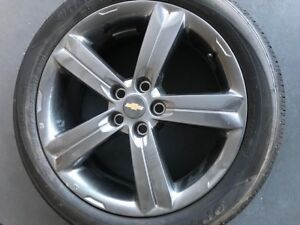 """Chevrolet 5x1.05 set of 4 17"""" wheels with tires"""