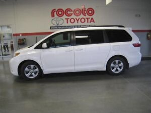 2016 Toyota Sienna LE 8 PASSAGERS