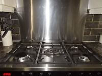 RANGE COOKER WITH SPLASHBACK AND HOOD