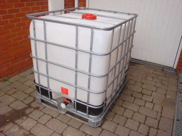 IBC 1000 Litre Ultra Clean Water Container in ESSEX for purified window cleaning & safe animal water