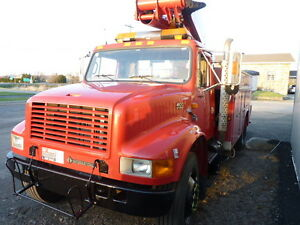 2000 International 4900 Altec TA41M Bucket Truck Camion Nacelle