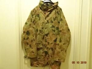 MILITARIA – 1990s AUST ARMY DPCU ¾ LENGTH WATERPROOF JACKET [Size L]