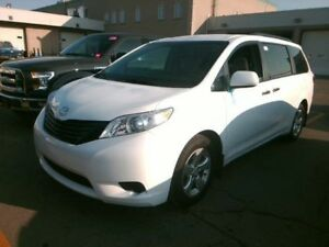 2016 Toyota Sienna LIKE NEW / NO PAYMENTS FOR 6 MONTHS !!