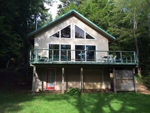 Beautiful lakefront cottage for sale in East Dalhousie