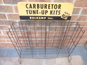 ANTIQUE VINTAGE GAS STATION AUTOMOTIVE ADVERTISING SIGN AND RACK