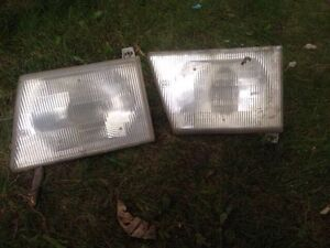 Ford Clubwagon Econoline - Head lights and Signal lights