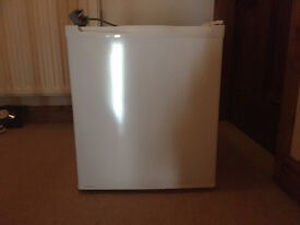 Table-top fridge in great used condition for sale