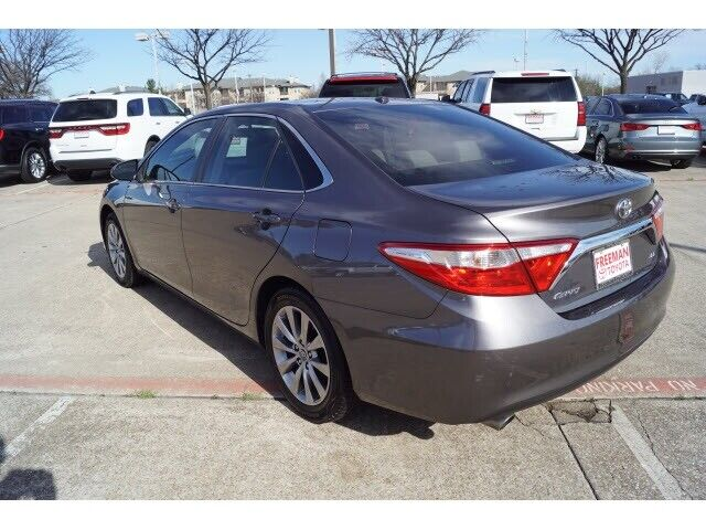 Image 3 Voiture Asiatique d'occasion Toyota Camry 2015