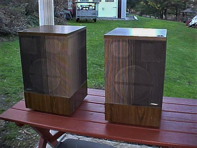 Vintage Pair Bose 501 Direct Reflecting Speakers ~ 1977 ~ USA ~ Left and Right