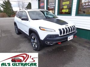 2015 Jeep Cherokee Trailhawk 4x4 only $219 bi-weekly all in!