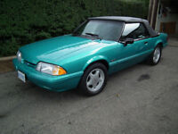 1992 FORD LX 5.0 CONVERTIBLE IN MINT CONDITION LEATHER  LOADED