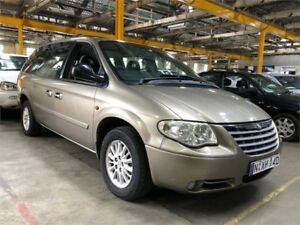 2004 Chrysler Grand Voyager RG 4th Gen MY05 Limited Khaki Automatic Wagon Hamilton North Newcastle Area Preview