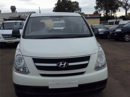 2010 Hyundai iLOAD TQ-V MY11 Van 5dr Man 5sp 1076kg 2.5DT White Manual Van