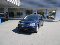 2014 Chrysler Town and Country 7 PASSENGER, SUNROOF, NAVIGATION