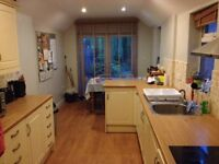 Double Room with own bathroom off Cowley Road
