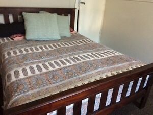Lovely Federation Style Dark Wooden Bed Frame - Queen Size Thirroul Wollongong Area Preview