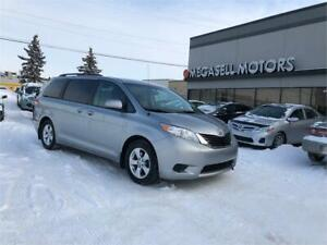 2013 Toyota Sienna LE, Backup Camera