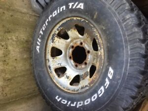 Set of M+S tires on rims