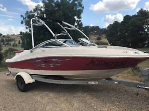 Searay 185 Sport Boat Young Young Area Preview