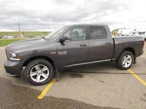 2014 Ram 1500 Crew Cab 4x4 SPORT  **LEATHER-NAV-SUNROOF***